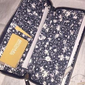 Michael Kors Bags - Michael Kors jet set wallet/wristlet